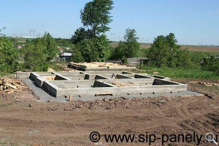 Строительство фундамента под дом из SIP-панелей фото 10