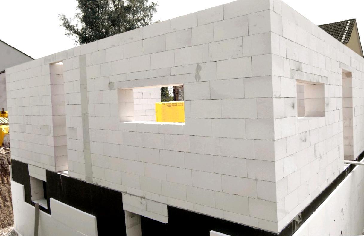 Премущества и недостатки домов из силикатного блока